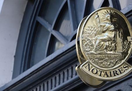 Emoluments de négociation : Les émoluments de négociations sont des frais de notaire que tout acquéreur doit régler