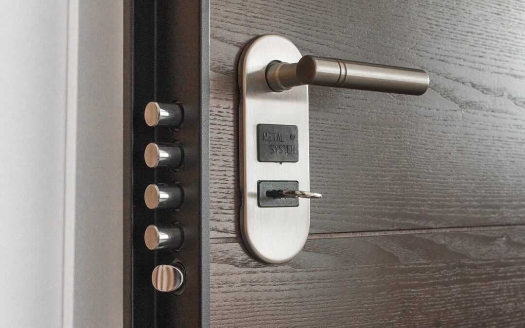 Comment ouvrir une porte verrouillée sans avoir à payer un serrurier ?