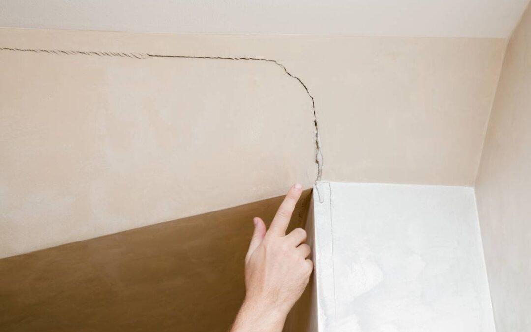 Plafond inégal, que faire ?